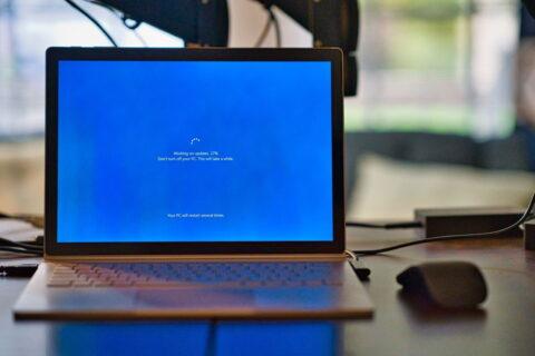 Windows friert ein Treiber-Update